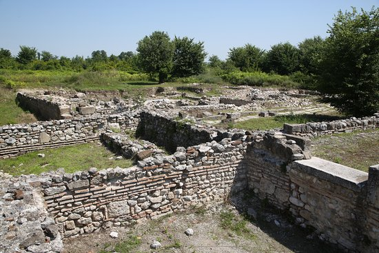 Dion Archaeological Park : Ruins