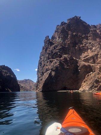 Halve dag kajaktocht in de Black Canyon vanuit Las Vegas: Headed to the second stop.