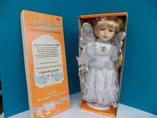 Wagon Wheel Antiques: Vintage Ashley Doll