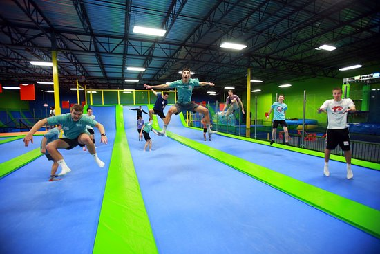League City, TX: Trampoline