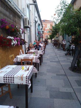 Laona Restaurant Photo