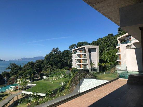 Club Med Rio Das Pedras: Le meilleur bâtiment est celui du fond de la photo (le plus haut)-5T