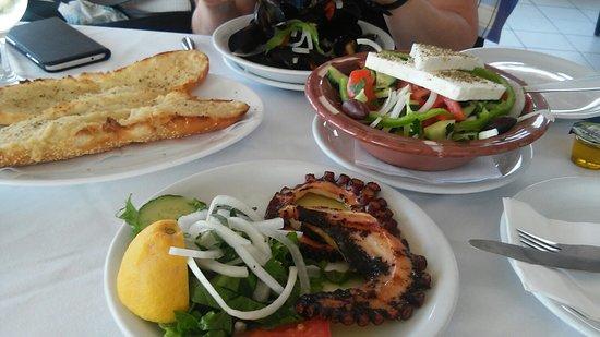 Korali Restaurant: Idem