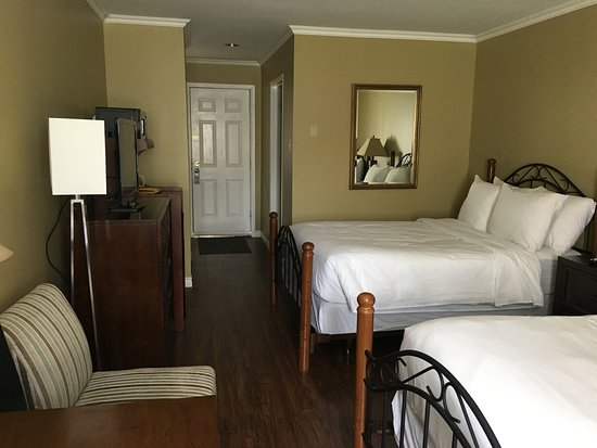 Annapolis Royal Inn: Room 29 - Deluxe 2 Double Beds