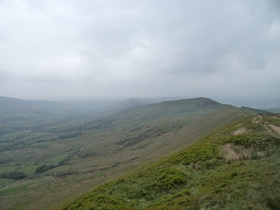 Winnat's Pass: Rain moving in over Hope Valley