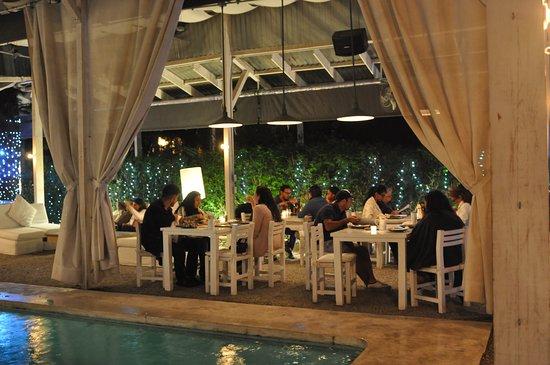 House Restaurant: It's always party time! Disfruta de un Viernes relajado con la mejor compañía en las noches de H
