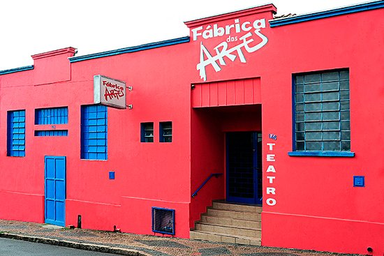 Americana, SP: Fachada do Teatro