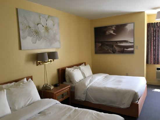 Annapolis Royal Inn: Room 23 - Standard 2 Double Beds