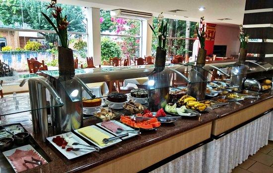 Praia Sol Hotel : Café da manhã colonial