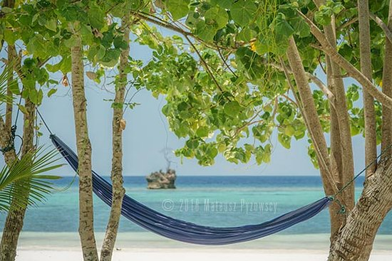 Lia Beach - Bamboo Resort: Lia Beach - Is there a better place to plunge into your favorite book?