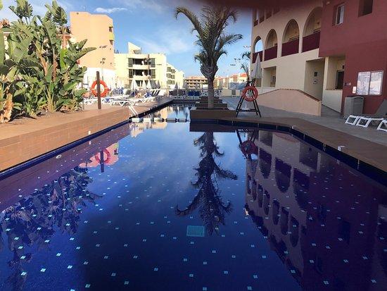 Hotel Best Jacaranda : 4 great pools to choose from. 1 heated, 1 salt and 2 kiddies pools
