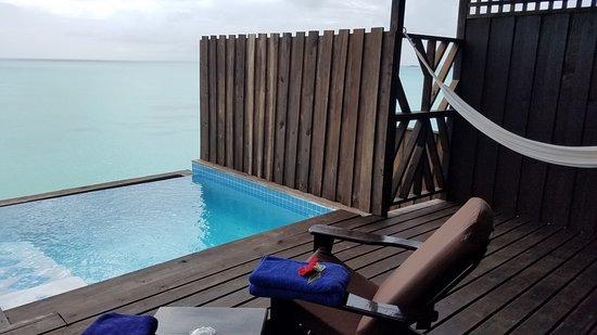 COCOS Hotel Antigua: Infinity pool and Hammock