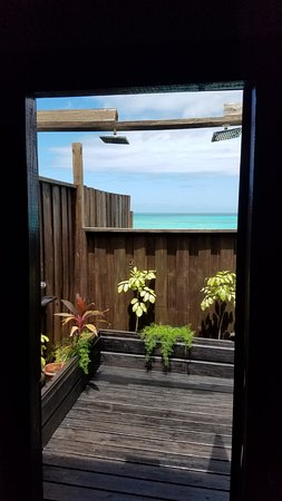 COCOS Hotel Antigua: The dual outdoor shower