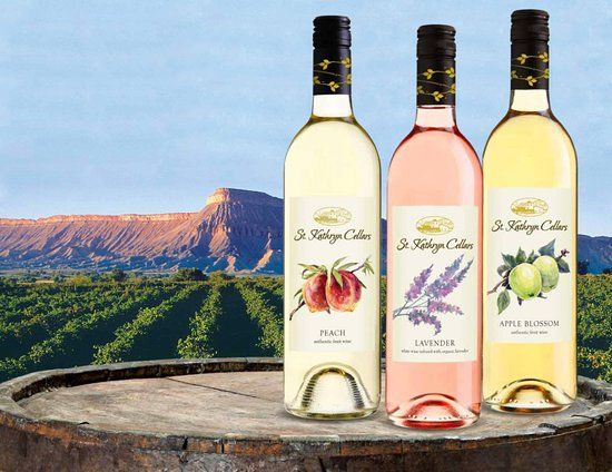 Palisade, Колорадо: St. Kathryn Cellars makes a full spectrum of fruit and botanical wines.