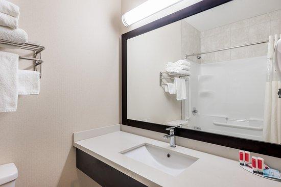 Watrous, Canada: Standard Bathroom