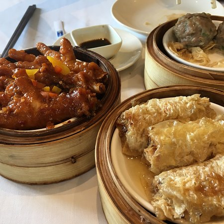 The Deluxe Chinese Restaurant