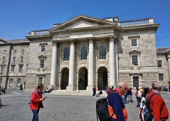 Trinity College Dublin: Тринити-колледж \ Trinity College