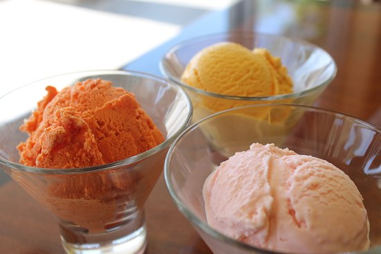 Milohas : Zapote, Passion Fruit and Guava Ice Cream
