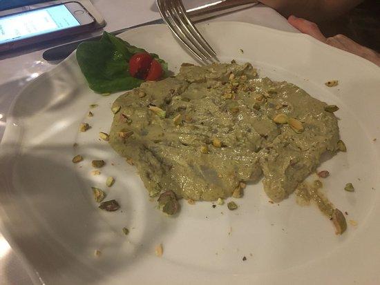 Rubiera, Italien: carpaccio di baccalà al pistacchio