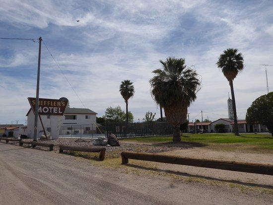 Salome, AZ: quiet.