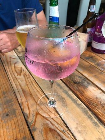 Williton, UK: Bakewell tart gin