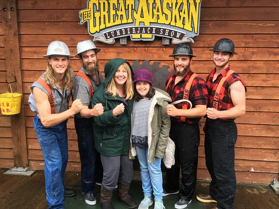 Great Alaskan Lumberjack Show: Posing with the lumberjacks after the show is free!