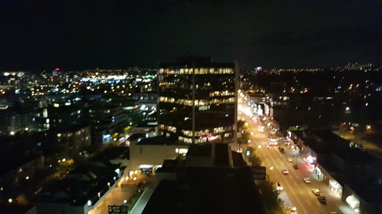 Holiday Inn Vancouver-Centre Broadway : night time on West Broadway
