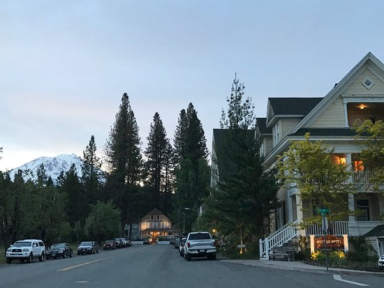 McCloud Hotel Photo