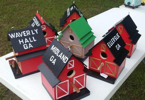 Midland Community Farmers Market: Bird houses by Doug and Linda Hardy