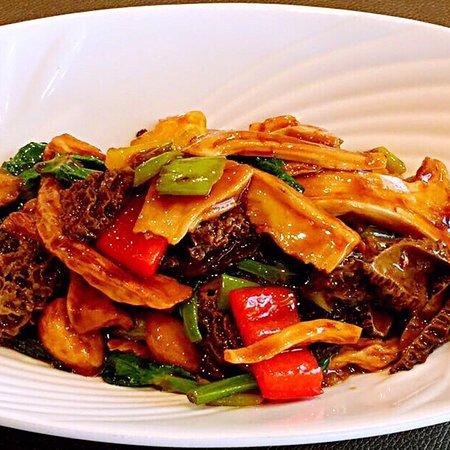 Westview Oriental Restaurant Ltd: 每月都有不同的菜式!