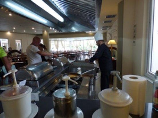 Santa Marina: Cuisson sur place, une pâte et une brochette !
