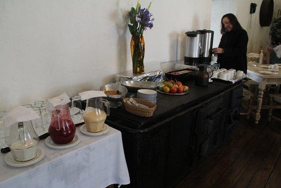 Hacienda Pinsaqui: Simple, but good breakfast buffet.