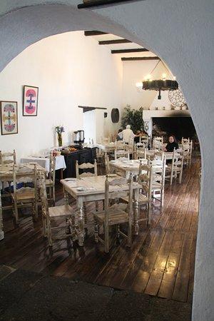 Hacienda Pinsaqui: Breakfast area.