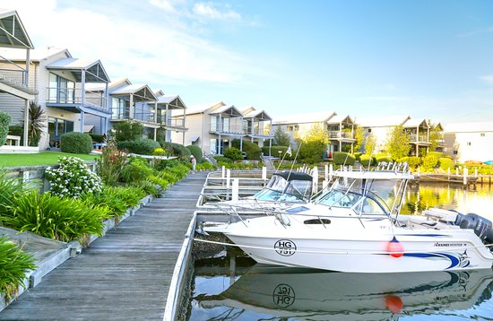 Captains Cove: Each apartment has their own jetty