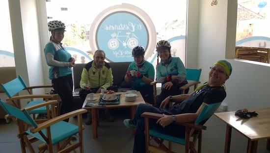 El Costurero Ciclo Café: Ciclistas después de la rodada
