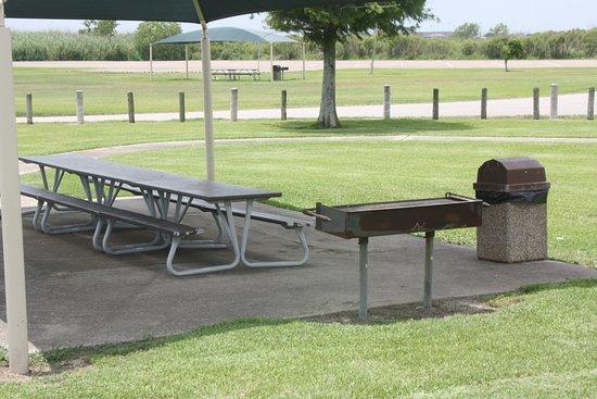 Sabine Pass Battleground State Historical Park: Grillplatz