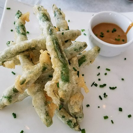 Fluke Newport : Spicy Green Beans with great remoulade sauce