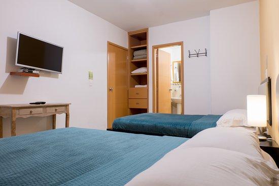 Casa Borbon: Habitación dos camas semidobles / Twin double room