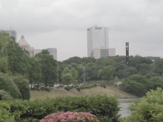 Soto Sakuradamon Gate: 2018.5.30(水)☁桜田濠の向こうに👀国会議事堂🎵と・三権分立の時計塔🎵
