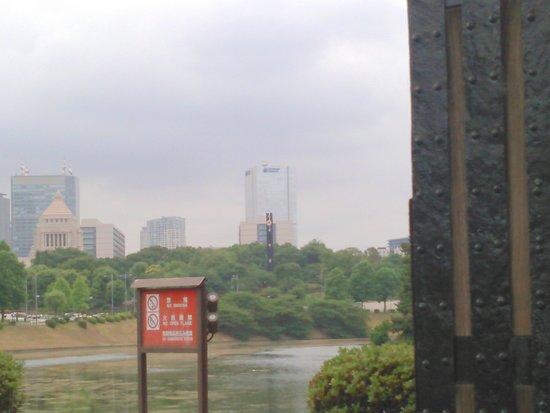 Soto Sakuradamon Gate: 2018.5.30(水)☁高麗門🎵より👀見ると☺