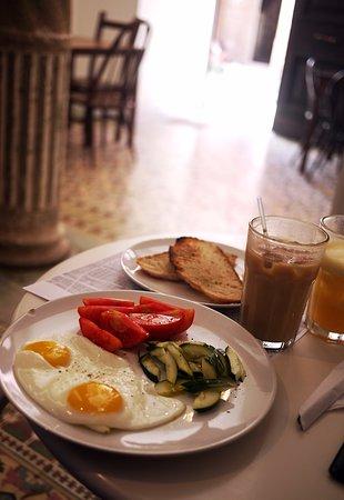 El Café: Simple breakfast