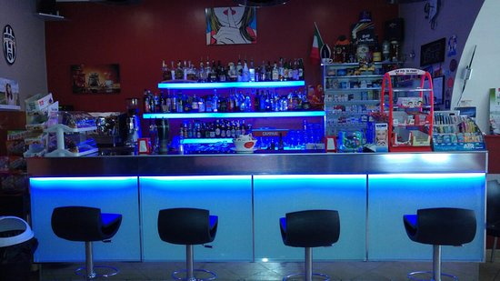 Pietrabbondante, Italy: Bar Loca People