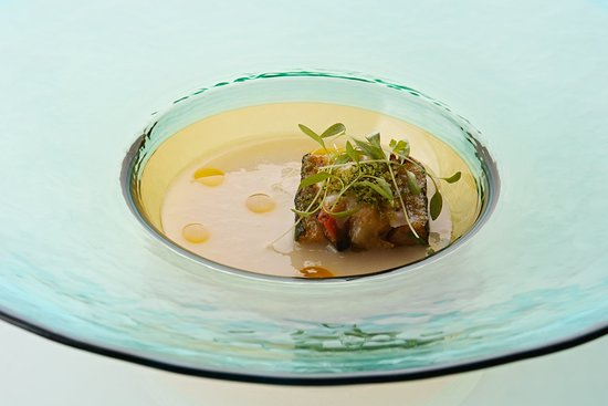 SALONE2007, Potato and Leek soup. Baked Courgette and Mussel with breadcrumbs./じゃが芋・ズッキーニ・ムール貝・ポロ葱