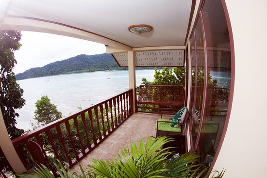 Adang Sea Eco-Village Sunset: Superior Room Balcony