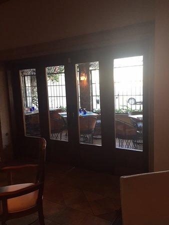 Desierto Azul: outdoor dining
