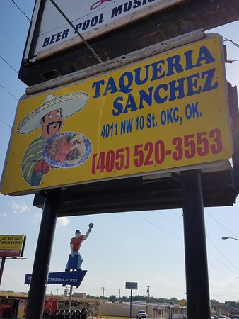 Taqueria Sanchez: Not many food trucks have their own overhead sign