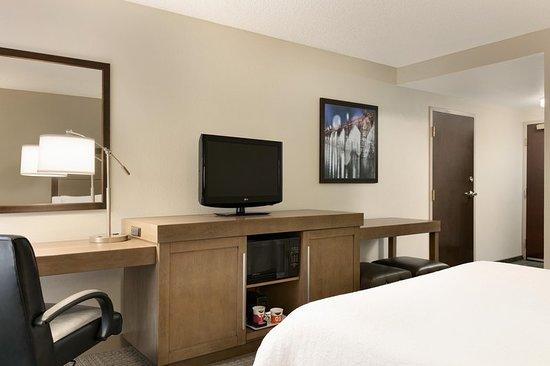 Hampton Inn & Suites Hershey: Guest room