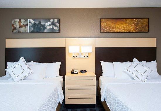 Johnston, Айова: Guest room