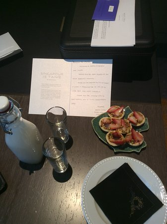 Sofitel Singapore City Centre: Welcome gifts