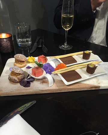Arthur's Cafe: Sweet treats from a private dinner